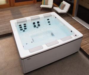 Bullfrog STIL7 Luxury Hot Tub