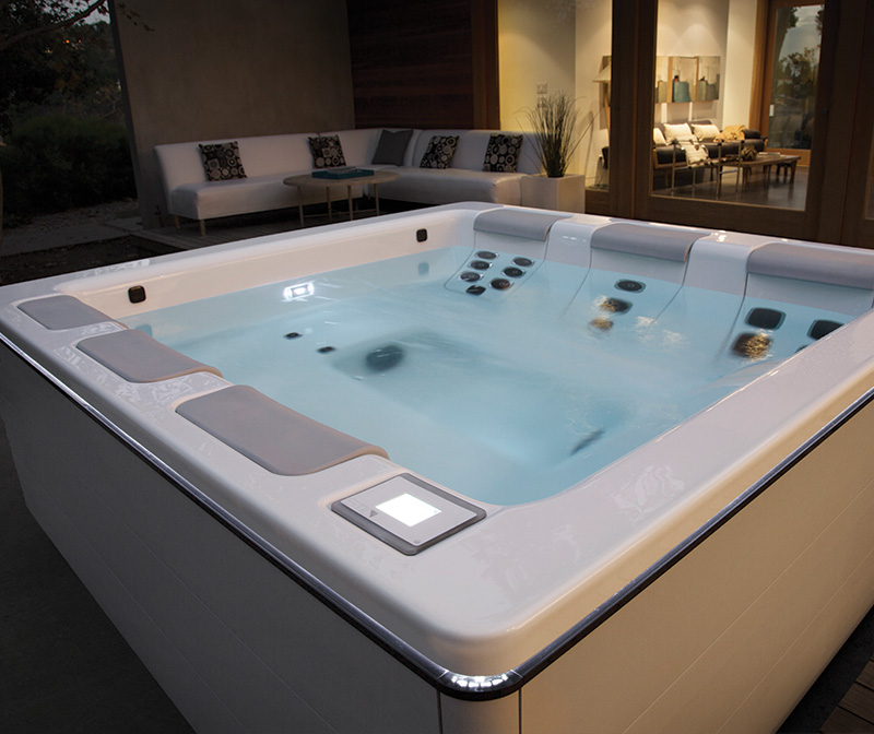 Featured Spas For Sale In Los Angeles | Bullfrog Hot Tubs Showroom